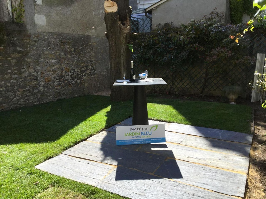 Création terrasse bois, pose gazon